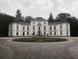 Myślewice Palace Exterior